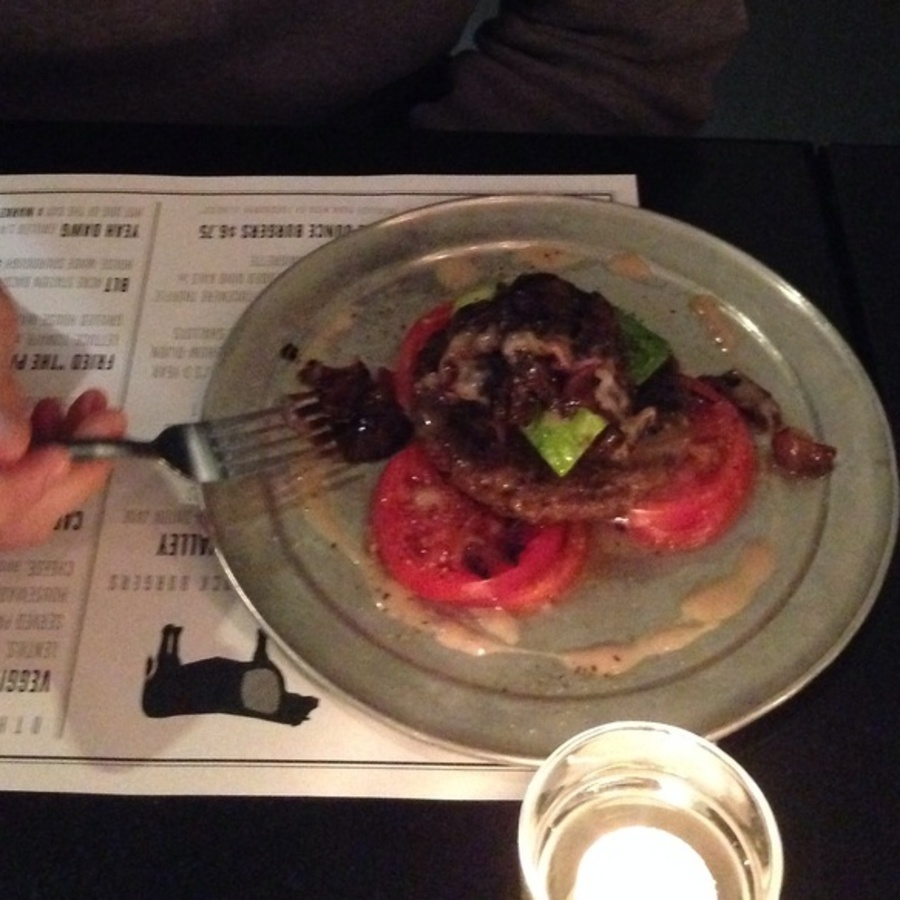 Liz Meyers's photo of Order Captain Andy's Paleo Burger