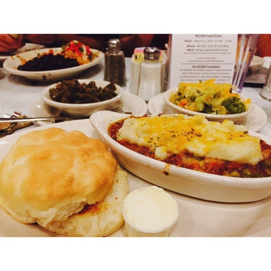 Aya Cuenca's photo of Grab Good Eats at Elmo's Diner